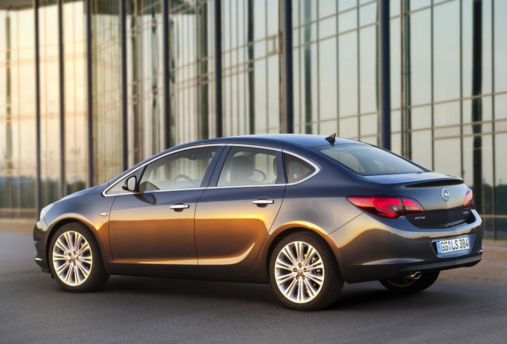 Opel-Astra-4-door