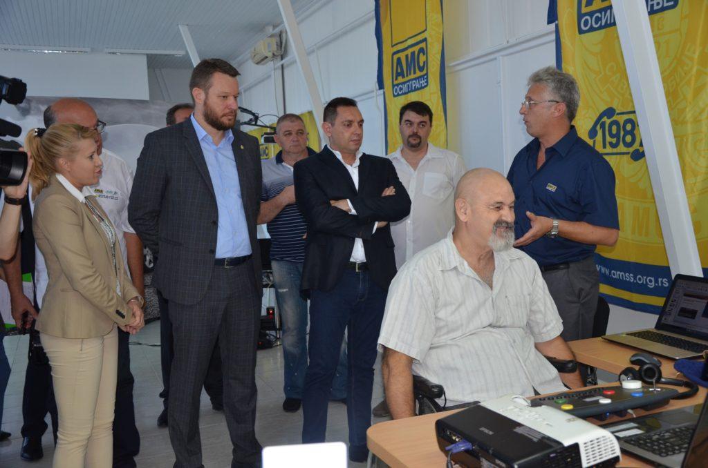 Jasmina Milošević, Mirko Butulija, Aleksandar Vulin i  Mihailo Pajević u obilasku simulatora