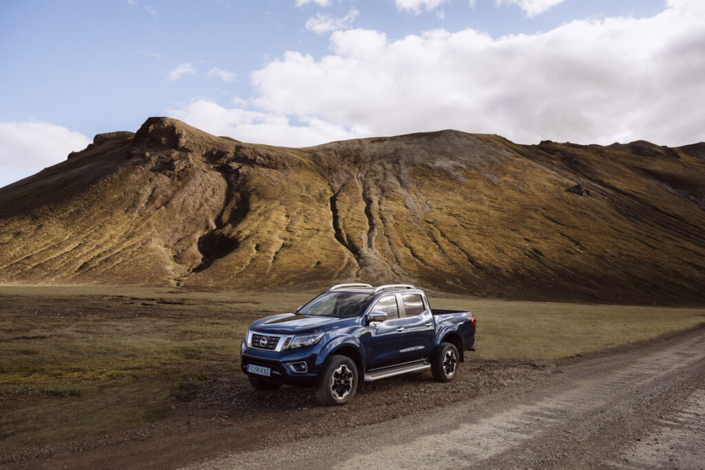 This image has an empty alt attribute; its file name is Nissan-Navara-Double-Cab_Blue_Iceland_Static-2-1200x800-1024x683.jpg