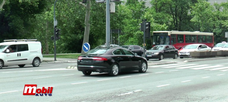 MOBIL AUTO TV – Agencija za bezbednost saobraćaja upozorava na mokre kolovoze